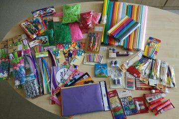 materiały plastyczne zebrane dla chorych dzieci